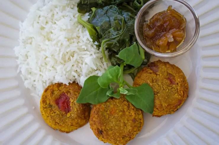 Petites galettes végé au curry et aux poivrons