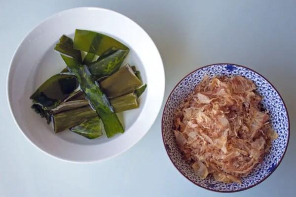 Algue kombu et flocons de bonite pour le bouillon Dashi