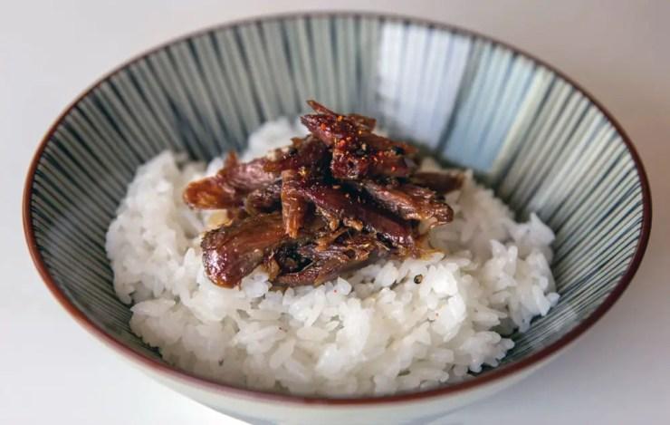 Confit de canard caramélisé sauce teryaki au gingembre