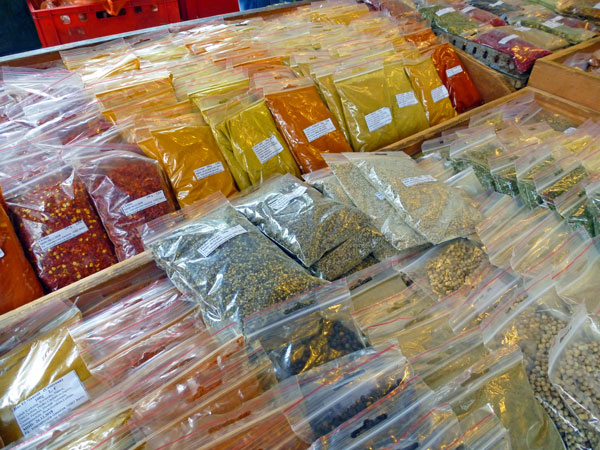 Épices au marché turc de Berlin