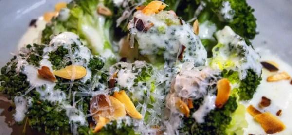 Brocoli et sauce parmesan