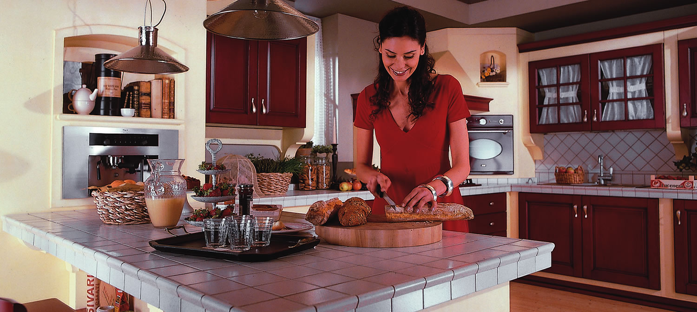 Piano Cucina Piastrellato.Quale Top Per La Cucina Il Piano Piastrellato Lineatre