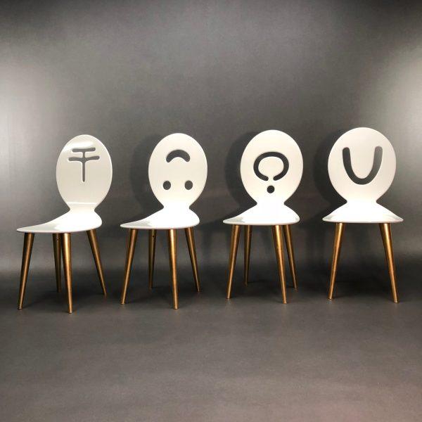 Lot de 4 chaises Figure Presenti Anna Gili Memphis Milano Série Limitée