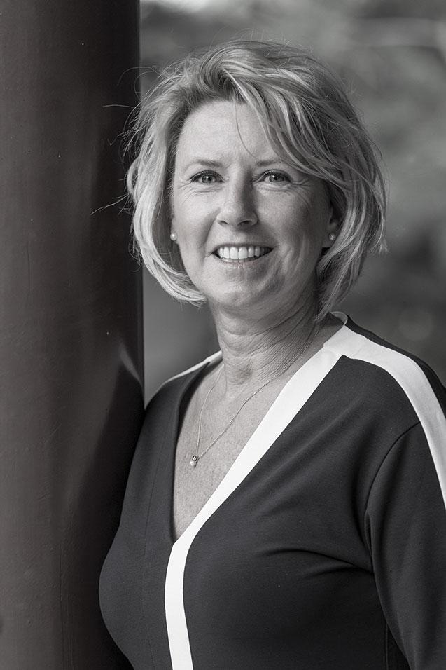 mr. Nicole Raijer