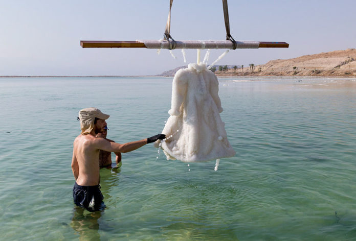 salt-dress-dead-sea-salt-bride-sigalit-landau-4