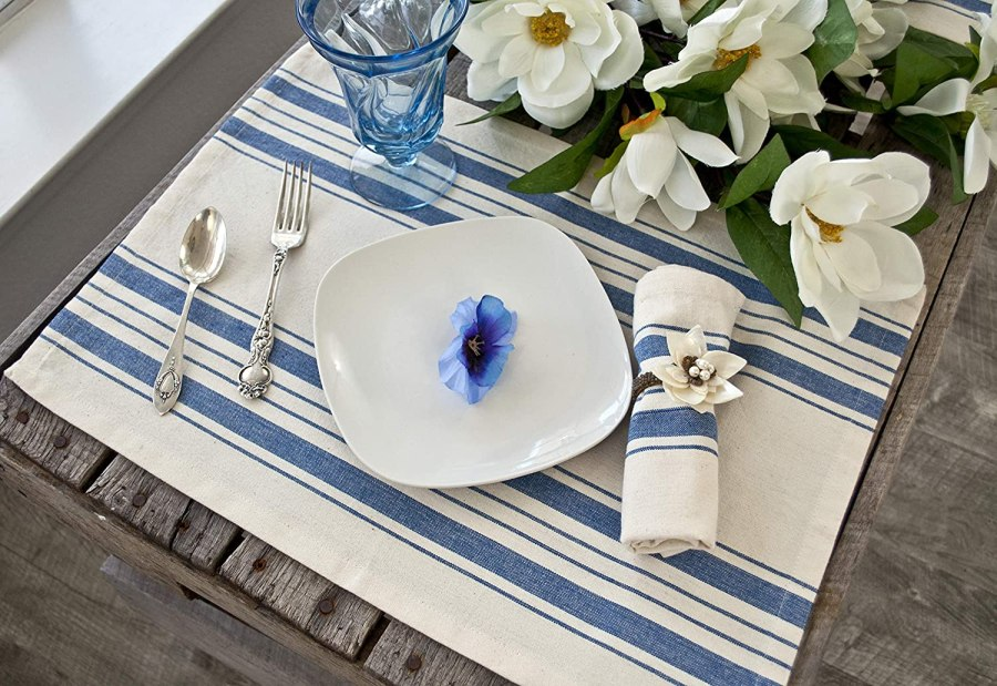 placemat in gray or blue on beige stripes – blue and beige