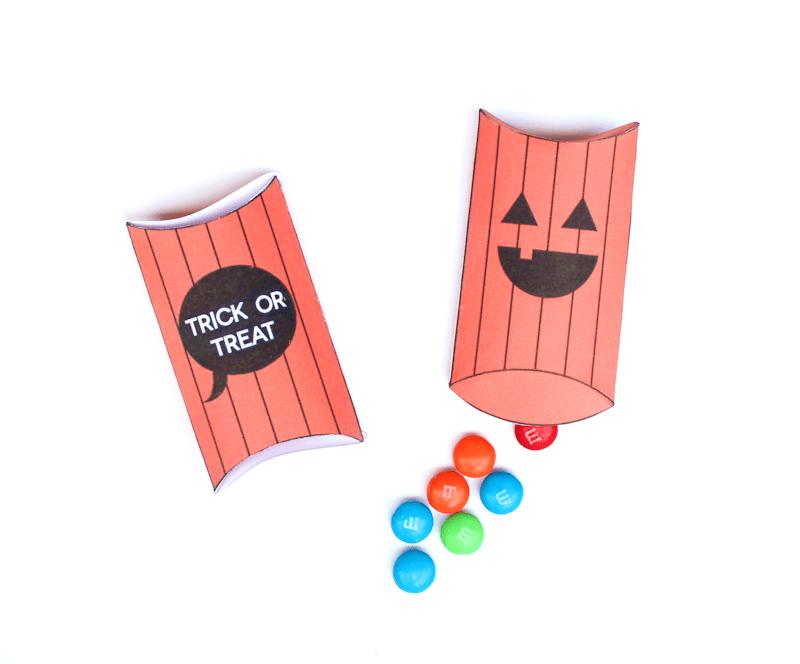 Free Printable Jack-o-lantern pillow boxes 2