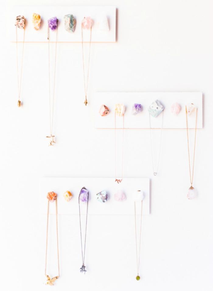 jewel-crystal-jewelry-organizer-hanger-diy