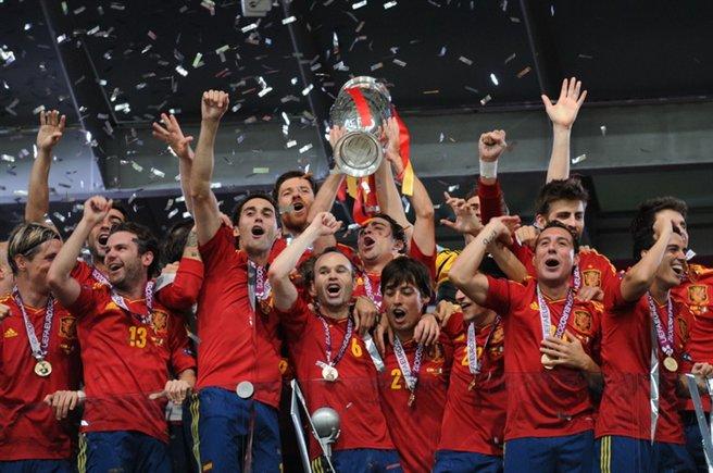 Bicampeã europeia e uma Copa do Mundo no currículo. Ciclo da geração de ouro espanhola chega ao fim?