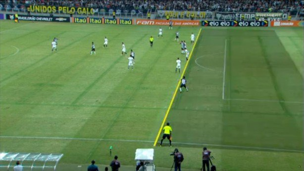 """Marcos Rocha """"impedidaço"""" no jogo contra o Corinthians. Por qual motivo esse lance também não gerou revolta?"""