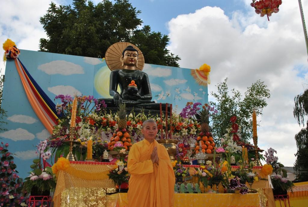 Trien Lam Phat Ngoc in OR 2014 (299)