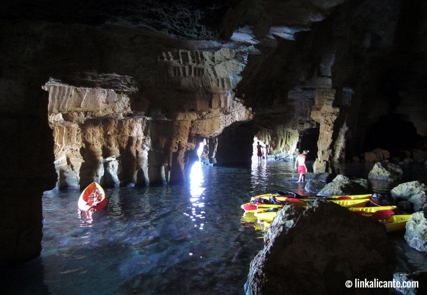Cova Tallada en kayak