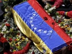 foto articolo funerale Chavez