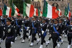 foto articolo parata militare