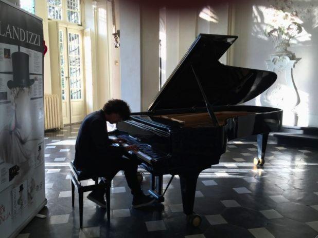 FOTO BLANDIZZI AL PIANO