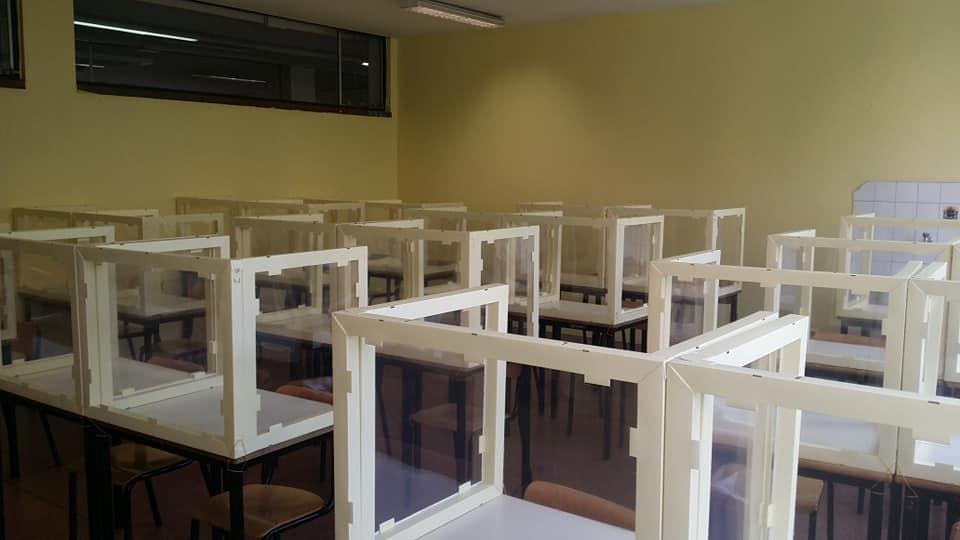 plexiglass scuola