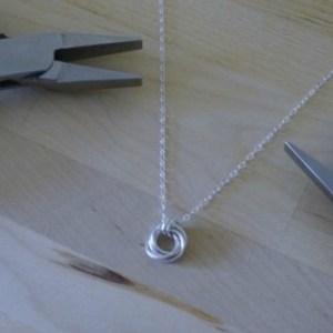 how-to-make-a-spiral-pendant-necklace1-e1428230718837-1