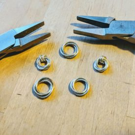 This 3-ring mobius sprial tutorial is the basis for many stunning jewelry designs