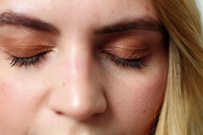 bronzy Make-Up