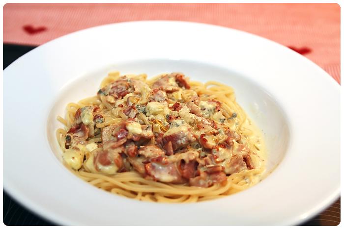 Spagetti m. bacon och blåmögelost!