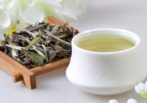 thé blanc jaune