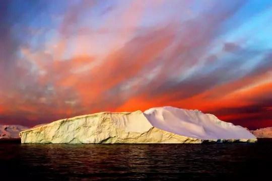 l'arctique et l'antarctique en couleur