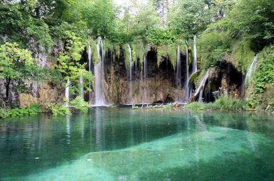 chutes de plitvice, croatie, août 2007. le parc national des lacs de plitvice
