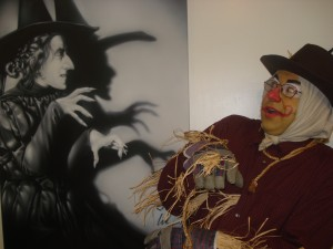 The Wicked Witch and Scarecrow (Kevin).