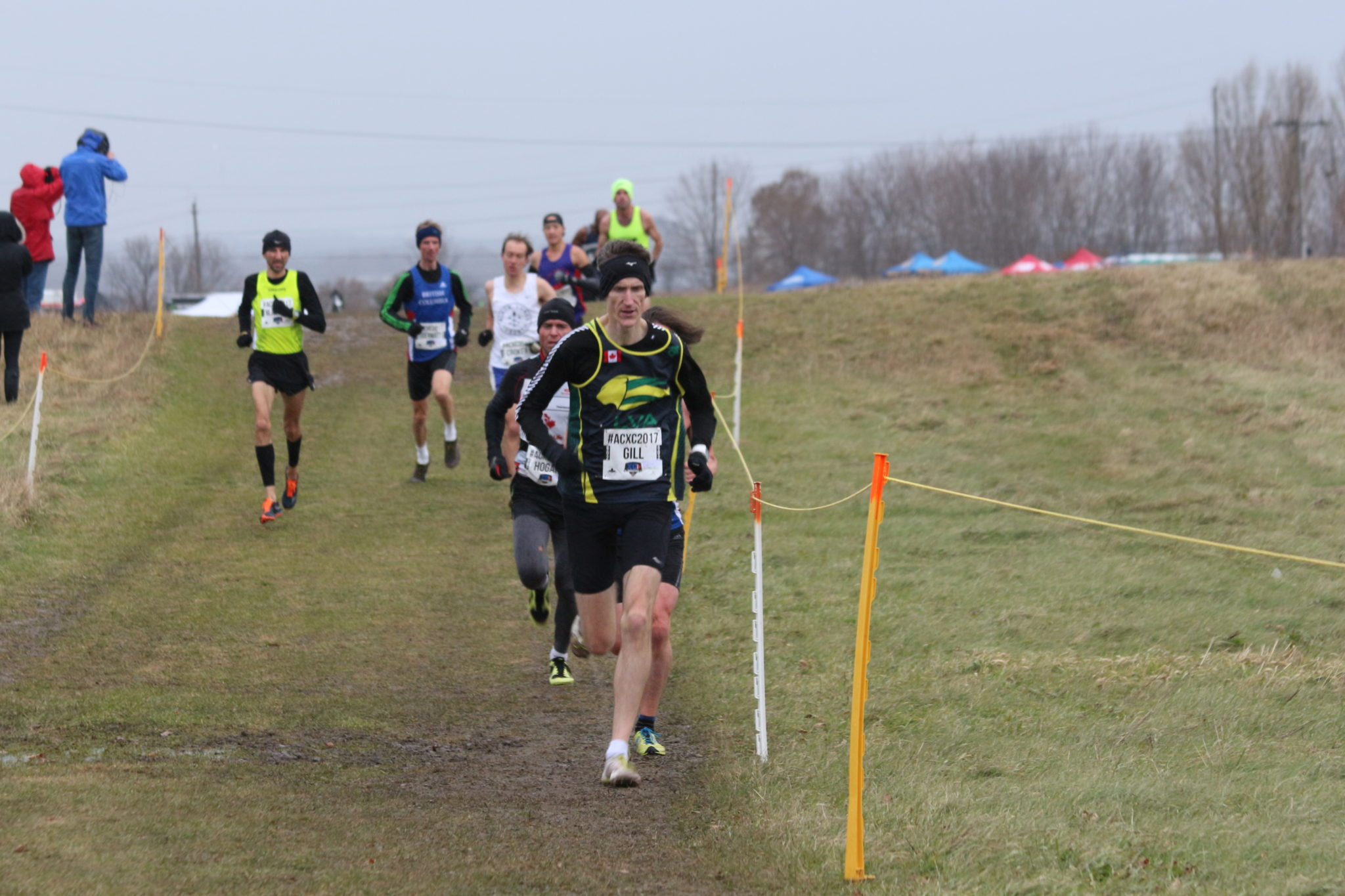 The front group splinters as Mike pushes the pace,