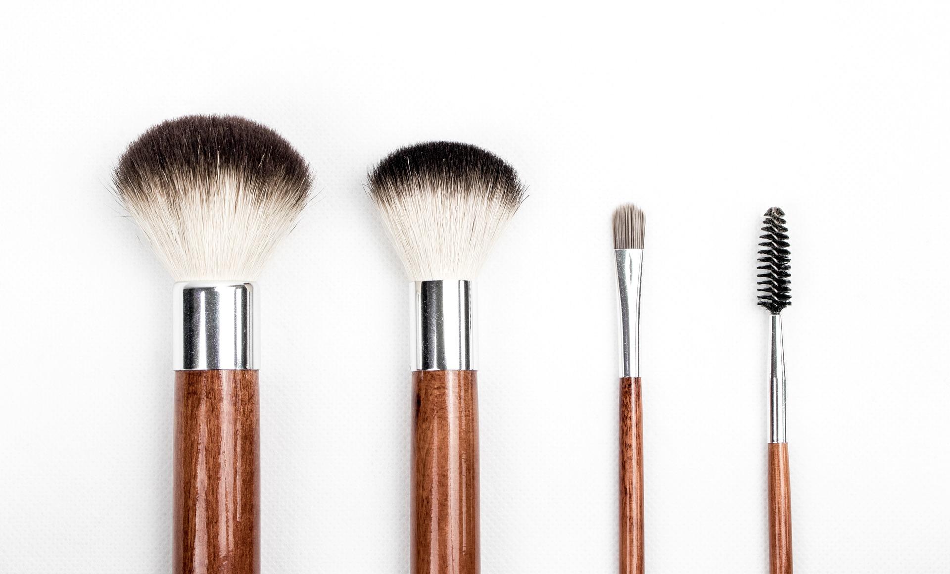 pinsel lipödem mode makeup