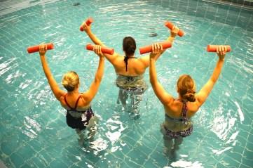 lipoedem mode sport mit lipödem Aqua Fitness bewegung im wasser 3