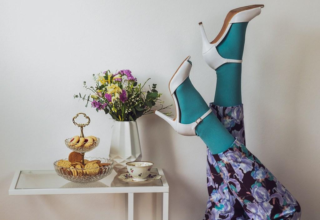 lipödem mode mintgrün outfit blumiger hosenanzug statement lymphödem plussize manon baptiste navabi curvy blogger medi mediven550
