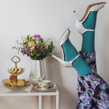 lipedema fashion mint green outfit flowery pants suit statement lymphedema plus size manon baptiste navabi curvy blogger medi mediven550