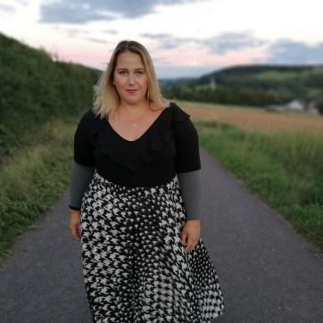 lipödem mode simone schäfer plus size outfit kompression juzo
