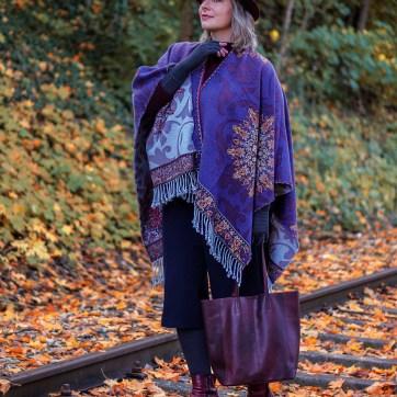 Lipedema fashion caroline sprott cape hat anthracite mediven 550 arm compression autumn compression tights plus size blogger accessories for women with lipedema
