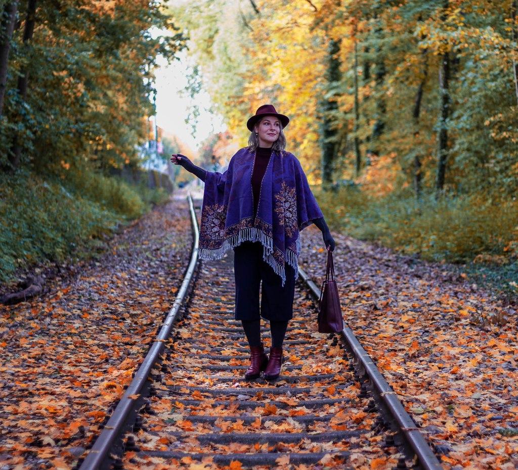 Lipedema fashion caroline sprott cape hat anthracite mediven 550 arm compression autumn compression tights plus size blogger hat
