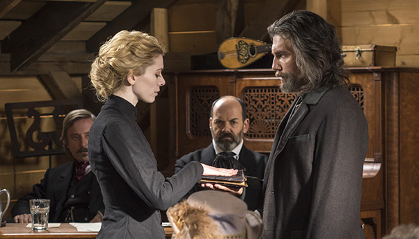 Hell on Wheels: Thirteen Steps - Ruth is sworn in by Cullen