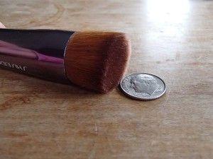 Flat buffing brush