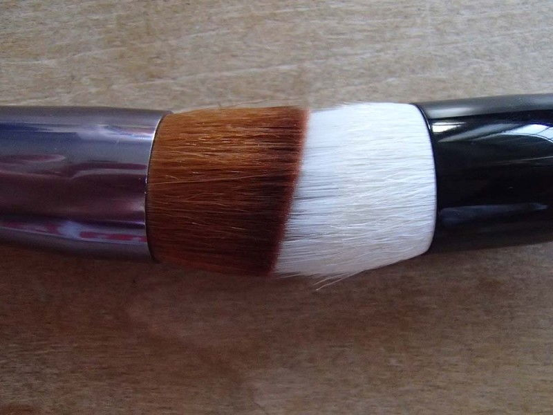 Wayne Goss 01 Foundation Brush