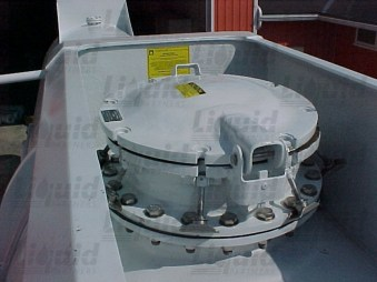 manhole-fiberglass-acid-transport-trailer