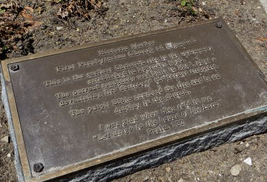 Historic marker for First Presbyterian Church of Plymouth