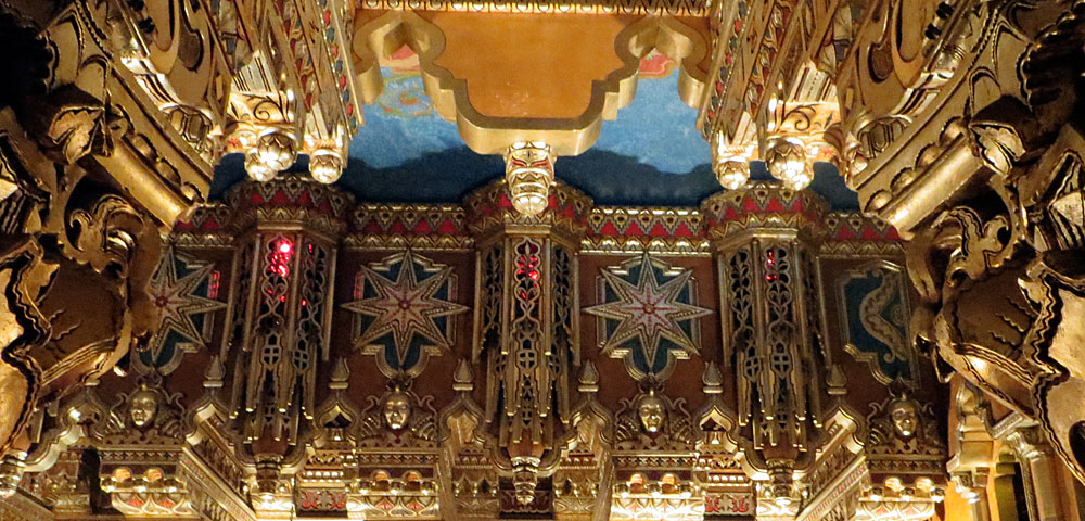 Detroit's Fox Theater Art Deco ceiling and architecture