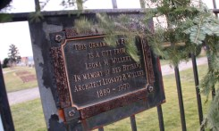Dedication plaque for the decorative fence around the Belle Isle Conservatory