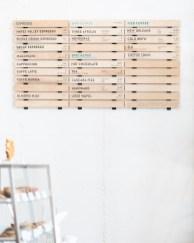 Formatting of slats according to seasonal rotations of drink and culinary menus.