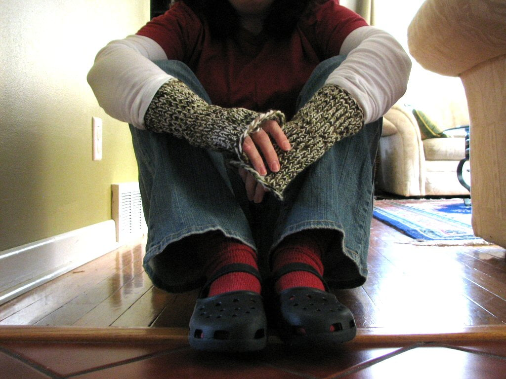 Loom-knitted fingerless mitts