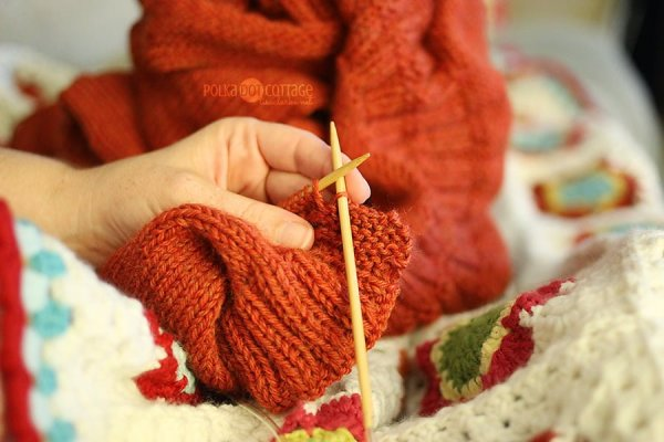 261/365: Sep 18 - Binding off the September Sweater!