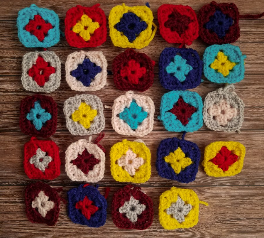 Granny Squares With Two Rounds