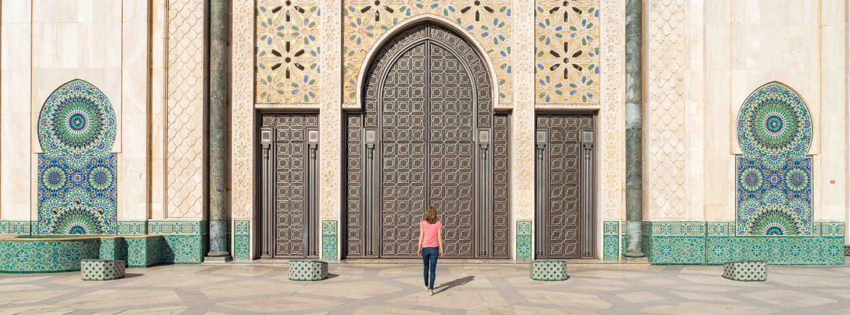 marokko-casablanca-hassan-ii-moskee-architectuur-symmetrie