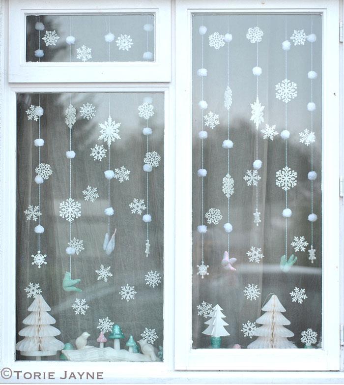 winter-wonderland-window