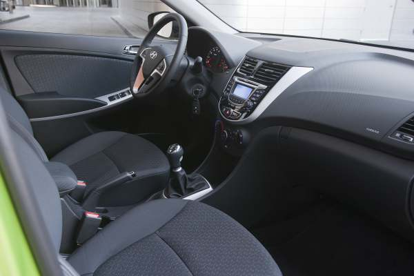 Interior Del Hyundai Accent Hatchback 2012 Lista De Carros